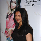 Model and Bollywood Actress Deepika Padukone Stills and Wallpapers