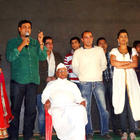 Special screening of 'Gali Gali Chor Hai' held for Anna Hazare