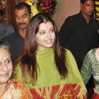 Pregnant Ashwairya attends Sanjay Dutt's Mata Ki Chowki