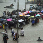 Strong Winds and Rain Pound Maharashtra!