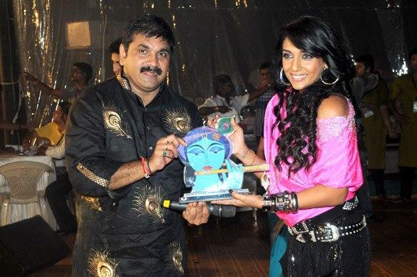 Shweta Salve at Bollywood Dahi Handi Event 2012
