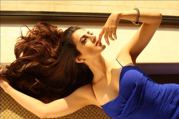 Ameesha Papael Ka Saxy Nangi Photo: Amisha Patel - News, Photos, And Videos
