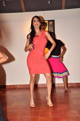 Hot Sizzling Malaika Arora Dance Still at Strut Dance Academy's 1st Anniversary Bash