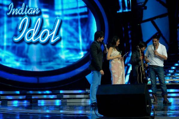 Akshay Kumar On The Stage Of Reality Show Indian Idol For OMG Music Launch