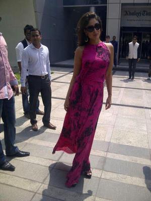 Kareena Kapoor Promoting Heroine In Dubai