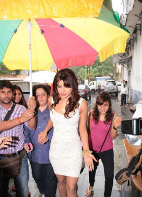 Priyanka Chopra Spotted at DID Dance Ke Superkids Location For Barfi Promotion