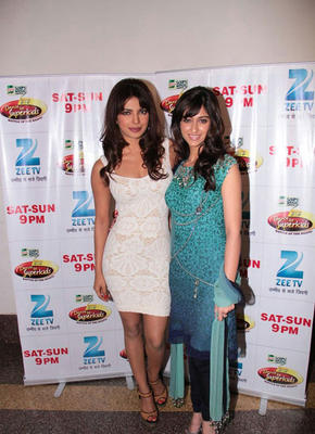 Priyanka With Ileana On Location Of DID Dance Ke Superkids For Barfi Promoting