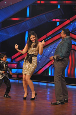 Kareena and Mithun at DID Dance Ke Superkids Reality Show