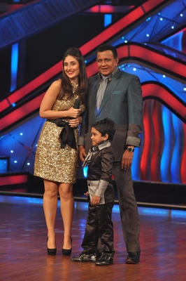 Kareena and Mithun On The Stage Of DID Dance Ke Superkids Show