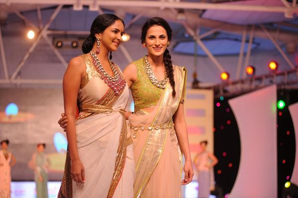 Manchu Lakshmi Prasanna Walks The Ramp at South Spin Fashion Show 2012