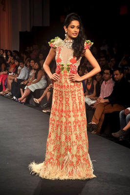 Hot Bollywood Actresses On Ramp at AVIBFW 2012 Day 5 Event