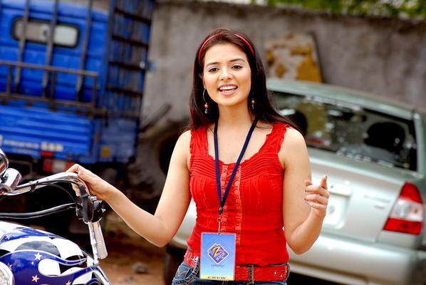 Mallu Actress Saloni Hot Stills