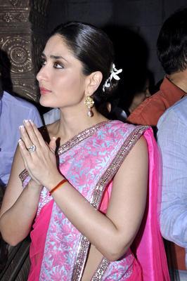 Kareena and Madhur Promote Heroine at Ganesha Pandal