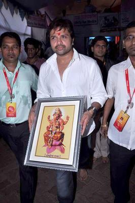 Himesh Reshammiya with Sur Kshetra Team at Ganesh Mandal