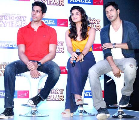 Siddharth,Alia and Varun Promoting SOTY At The Launch Of The Aircel Contest