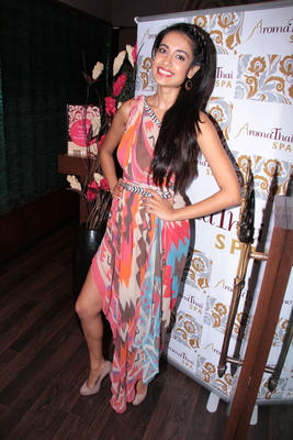 Sarah Jane Dias Latest Hot Photo Shoot At The Aroma Thai Spa