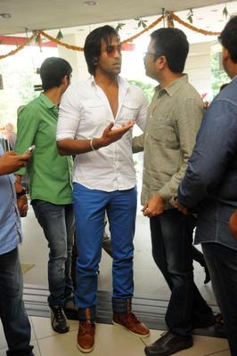 Vishnu Manchu Spotted At Denikaina Ready Premiere Show