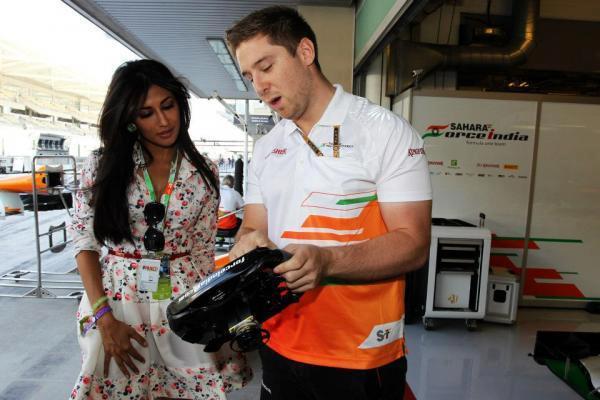 Chitrangda Singh At The Sahara Force India Pit Garage At The Abu Dhabi Grand Prix