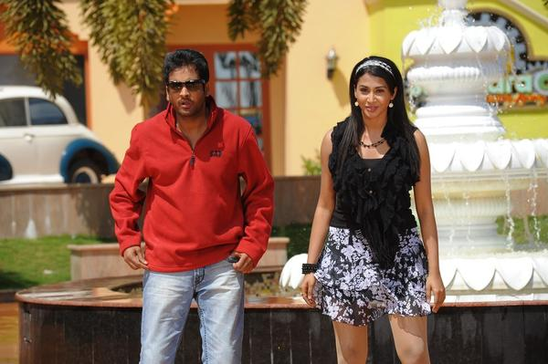 Sivaji And Gayathri Stunning Look Still From Their Upcoming Movie Gola Gola