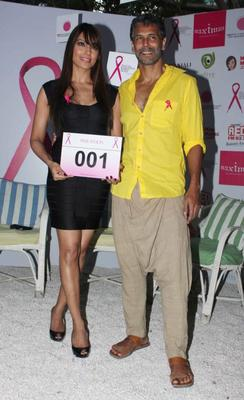 Bipasha And Milind Posed For Camera At Pinkathon Event For Breast Cancer Awareness