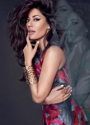 Chitrangada Sexy Expression Photo Shoot For Cosmopolitan India November 2012
