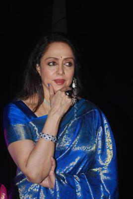 Hema Malini Snapped At Nehru Centre In Mumbai On 16th Nov 2012