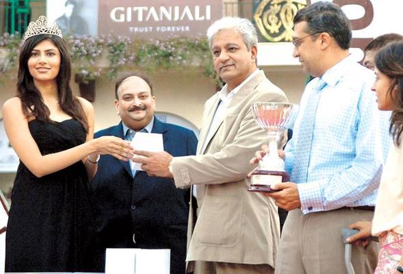 Stars At Gitanjali Race In RWITC