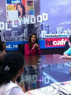 Kareena Looked Ravishing In A Red Ensemble At Talaash Promotions