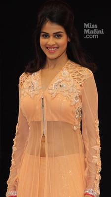 Genelia Walks For Neeta Lulla At IRFW On Day 2