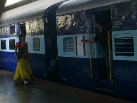 Deepika And SRK Photos On The Sets Of Chennai Express