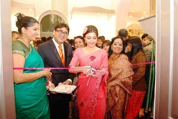 Soha Inaugurates Luxury Fashion Store Kimaya In Lucknow At Habibullah Estate