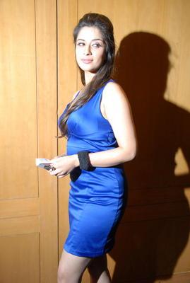 Madhurima Hot Pics At Crescent Cricket Cup 2012 Press Meet