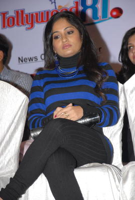Madhavi Latha Latest Stills At Crescent Cricket Cup 2012 Press Meet