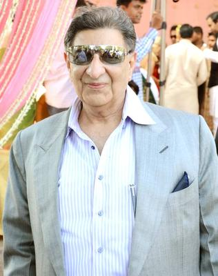 Indian Celebs At Swapnali Bhosale And Vishwajeet Kadam Wedding