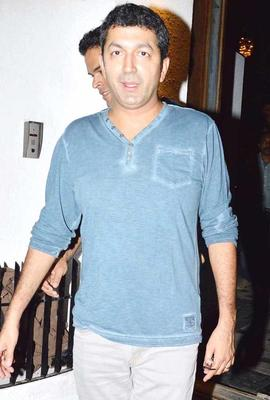 Kunal Kohli Arrived At Imran Khans Housewarming Party