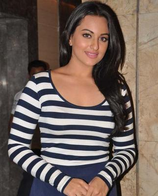 Sonakshi Sinha At Screening Of Dabangg 2 For NGO Kids