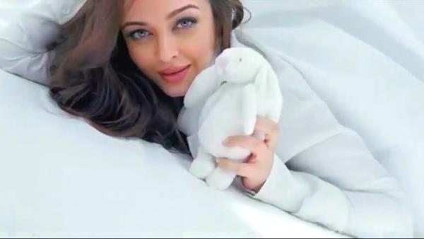 Aishwarya Cute Look Photo Shoot For L'Oreal Paris Total Repair 5 Ad