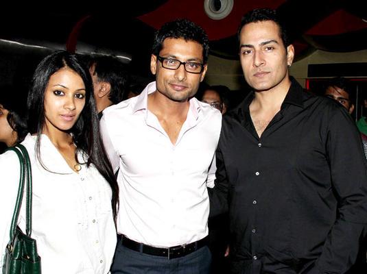 Bollywood Celebs At Mumbai Mirror Screening