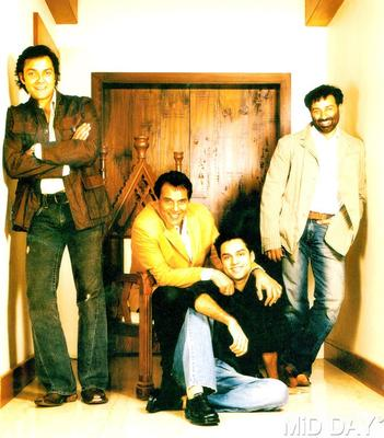 Dharmendra With Son Sunny And Bobby,Abhay Nice Photo Still