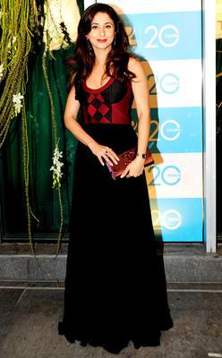 Urmila Strikes A Pose At 20th Anniversary Bash Of ZEE TV