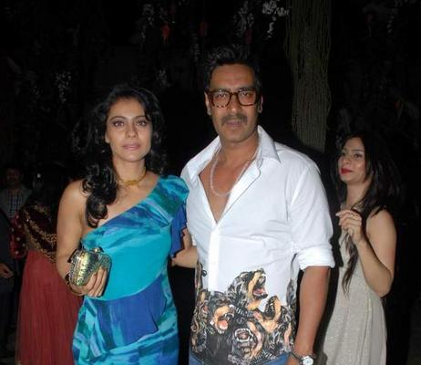 Ajay With Wife Kajol Cosy Pose For Camera At 20th Anniversary Bash Of ZEE TV