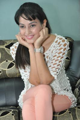 Disha Trendy Looking Photo Still At Race Telugu Movie Press Meet