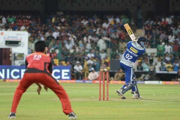 CCL 3 Final Telugu Warriors Vs Karnataka Bulldozers Match Event Still