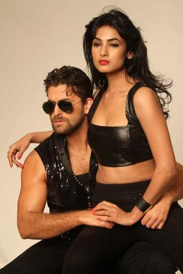 Neil And Sonal Photo Shoot For 3G Cinema Promotion
