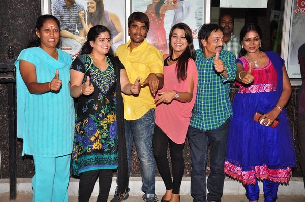 Srinivas,Tashu,Raj Kandukuri And Jayavani Thumbs Up Photo Clicked At Gola Seenu Press Meet