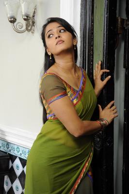 Anushka Shetty Hot Photo Still In Mirchi Movie