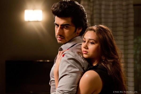 Arjun Kapoor and Sashaa Hot Romance Pic In Aurangzeb