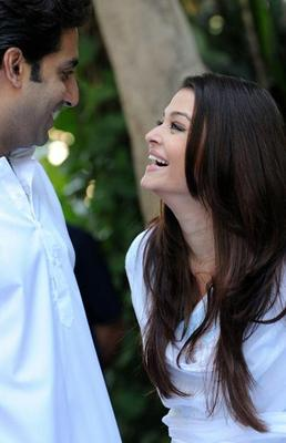 Bachchan Family Pledge Their Support Towards The Girl Child