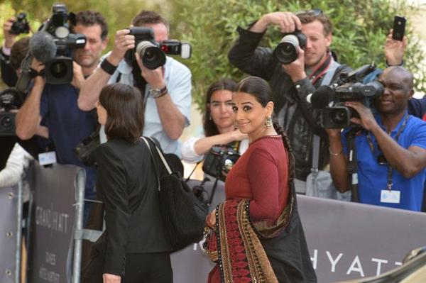 Vidya Balan Posed For Camera At 66th Cannes Film Festival 2013