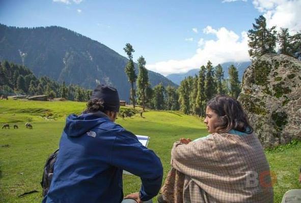 Alia,Randeep And Imtiaz At Aru Valley For Highway